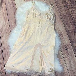 Vintage Vincent lingerie size 38